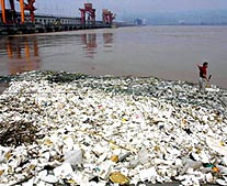 yantzge river pollution Ganges, nile and yangtze among biggest sources of ocean plastic pollution  environmental scientists say.