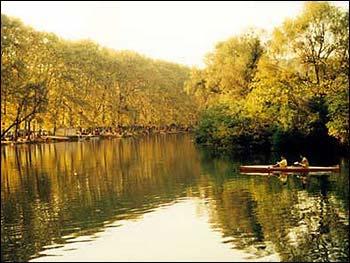 中国 花溪/花溪,光听这名字,繁花似锦,溪水长流,就已经美不胜收了。